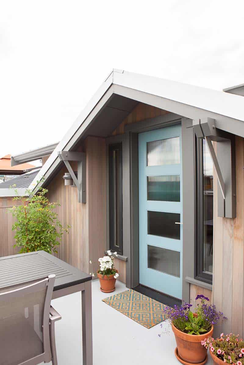 craftsman-exterior-houseboat