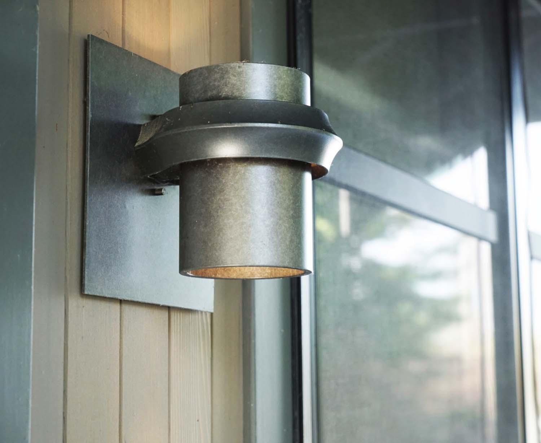 porchlight-craftsman-exterior