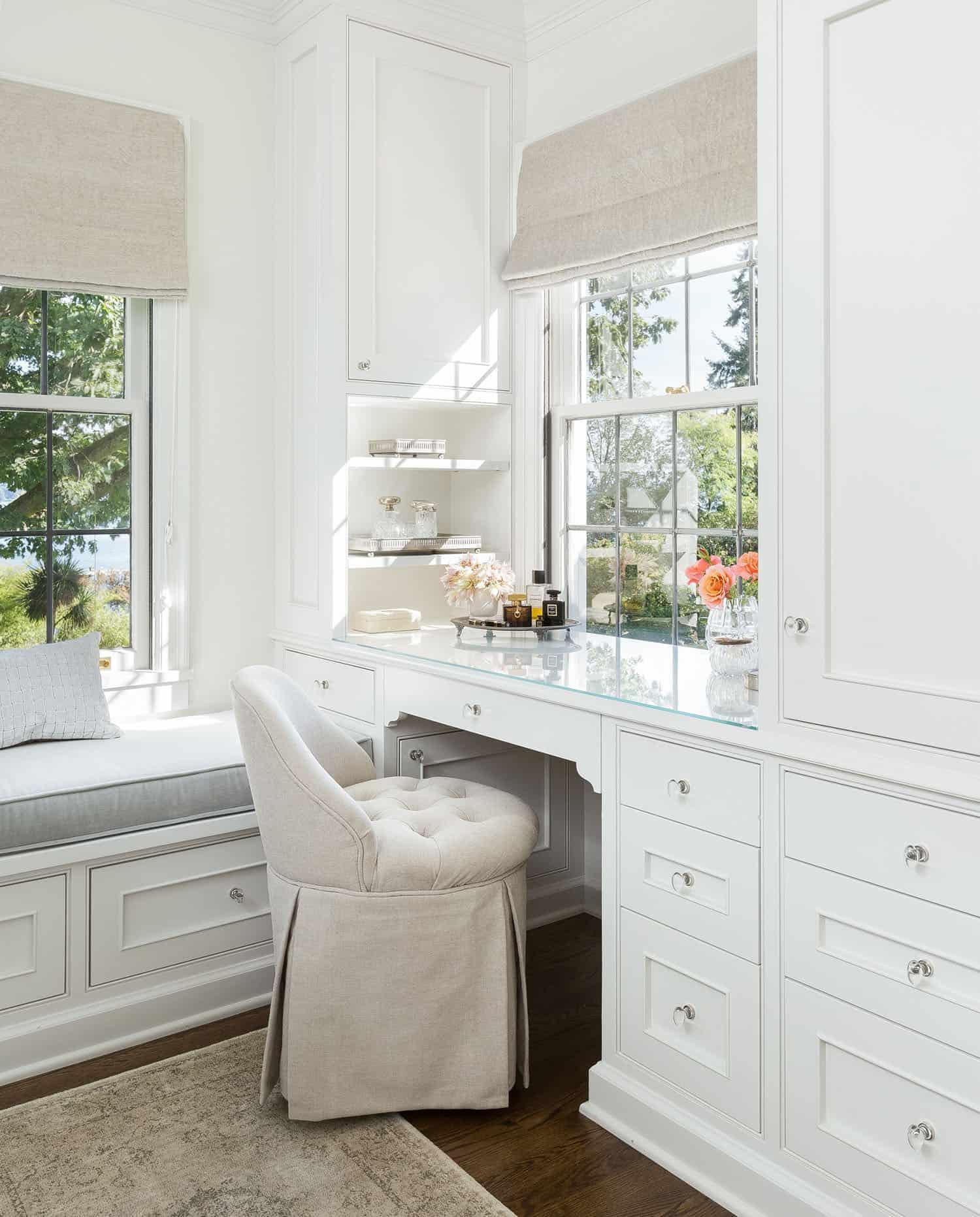 contemporary-bathroom-makeup-vanity