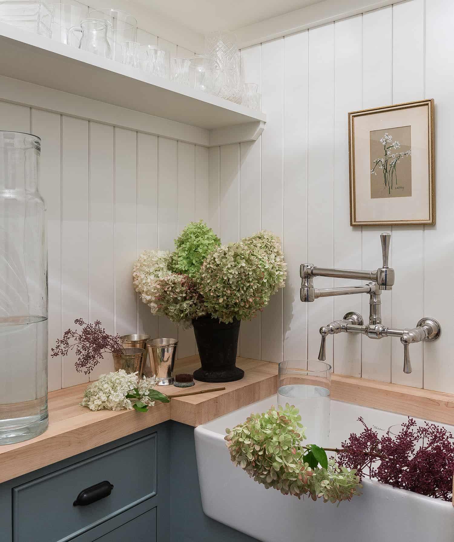 contemporary-potting-room