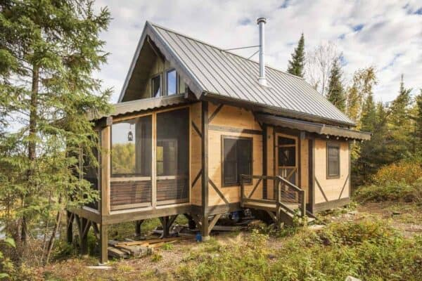 featured posts image for 600-square-foot off the grid cabin surrounded by wilderness in Minnesota