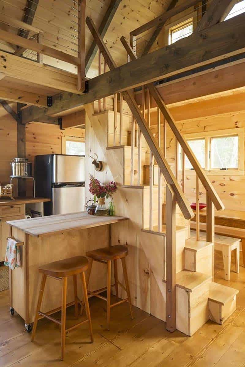 small-cabin-kitchen