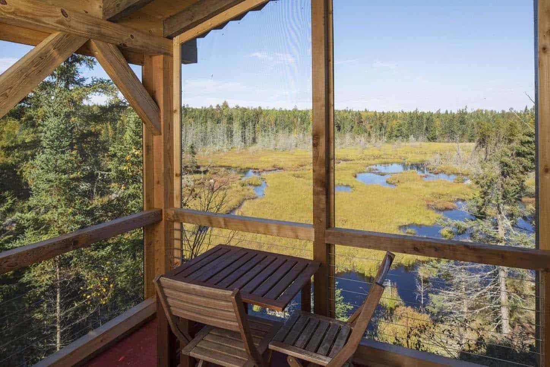 small-cabin-porch