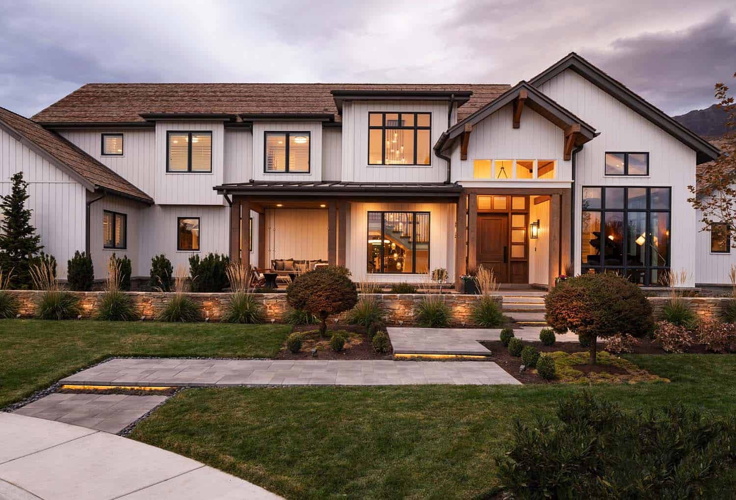 Dream House Tour: Modern design meets cozy farmhouse style in Utah