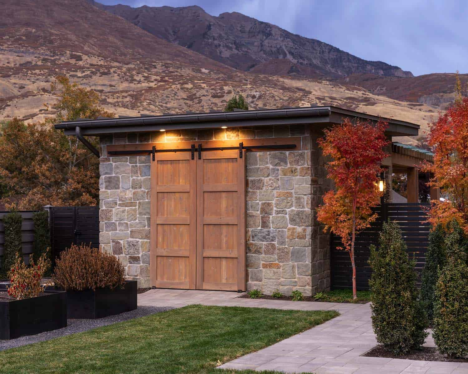 farmhouse-shed-utah
