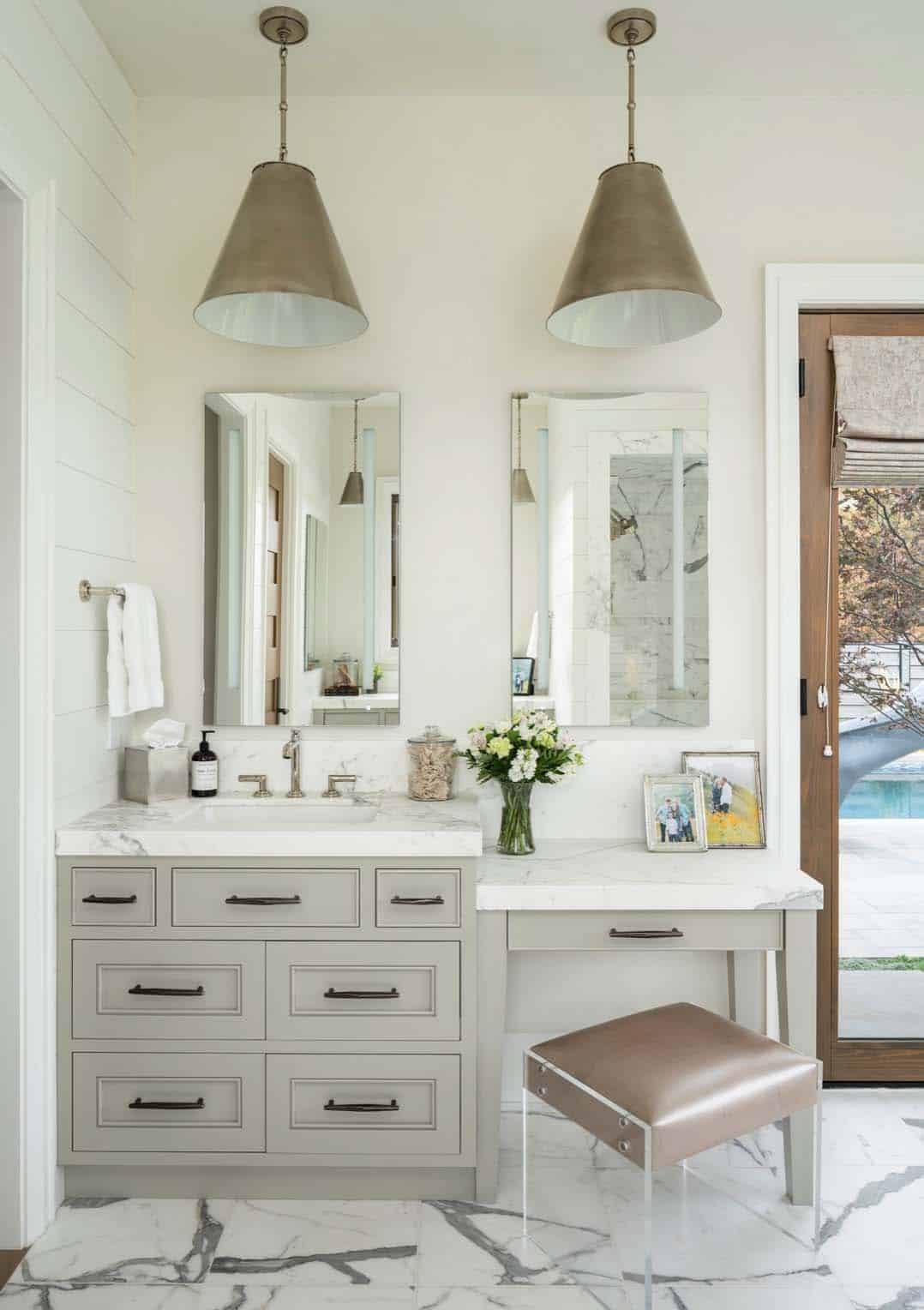 farmhouse-master-bathroom-vanity