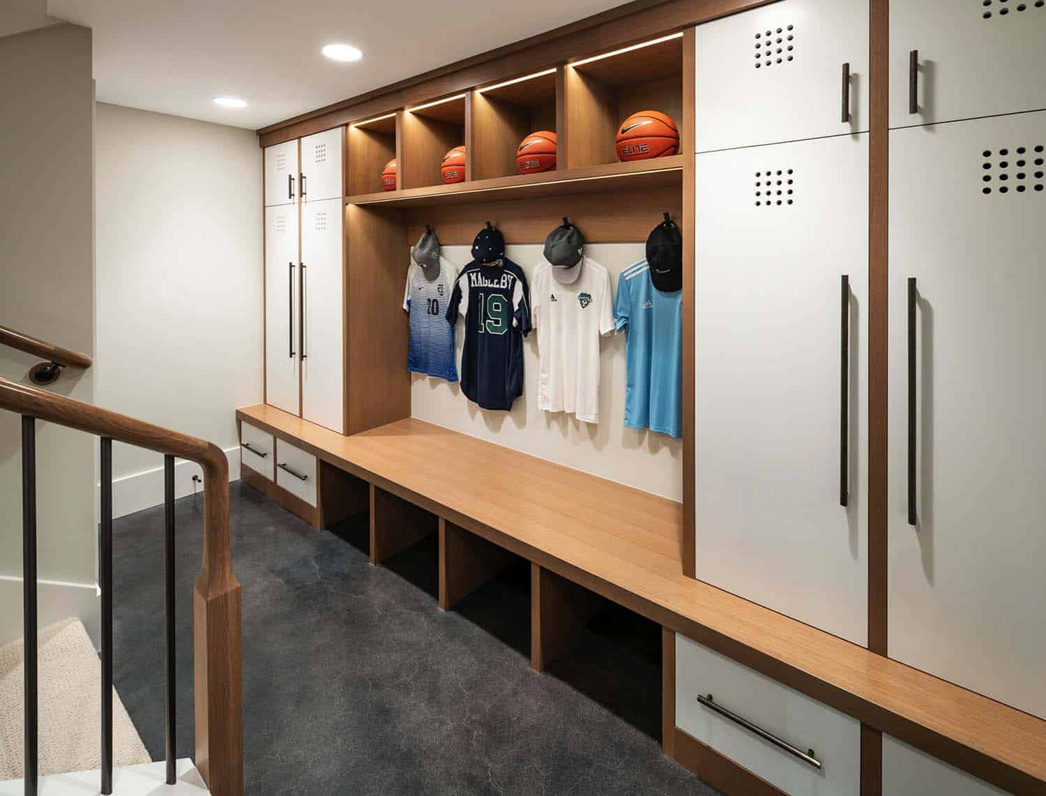 farmhouse-home-gym-lockers