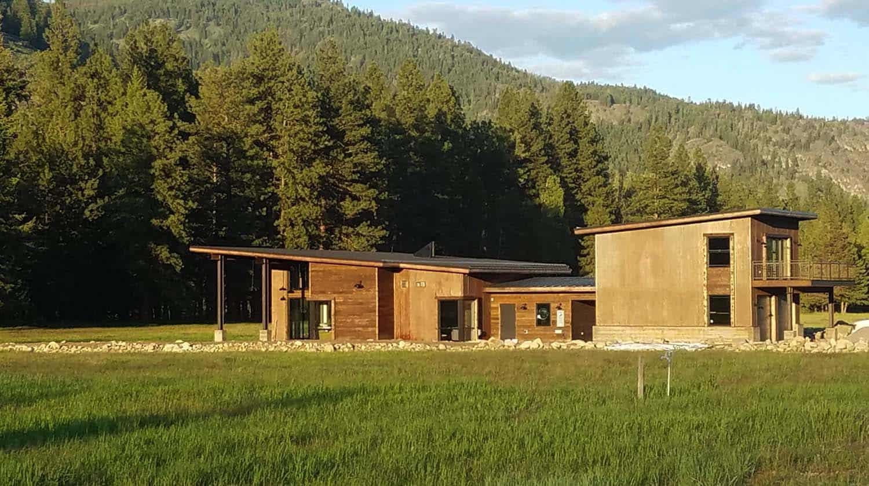 modern-rustic-home-exterior-firewise-design