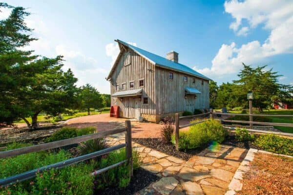 featured posts image for Beautiful timber-framed barn transformed into a cozy home in Texas