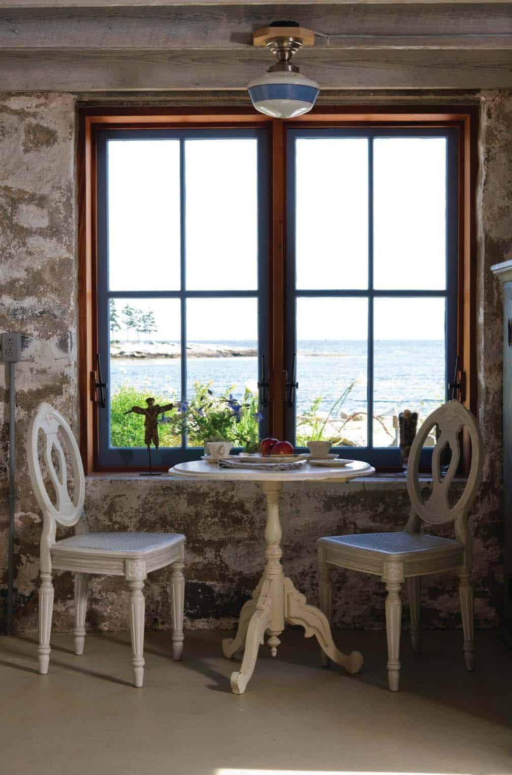 beach-style-sitting-room
