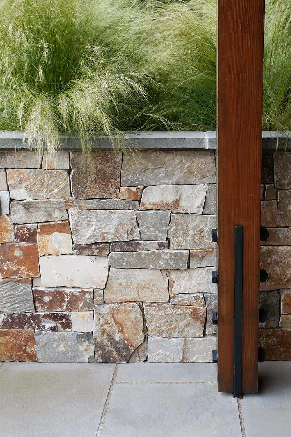 stone-wall-detail-rustic-patio