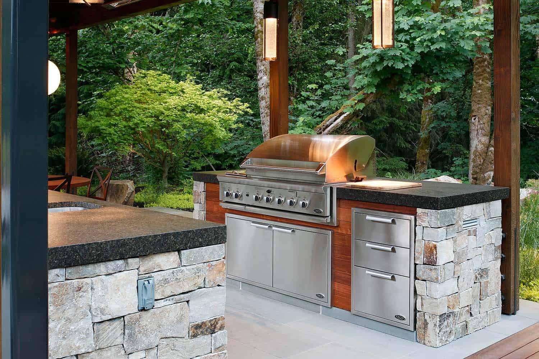 barbecue-rustic-patio