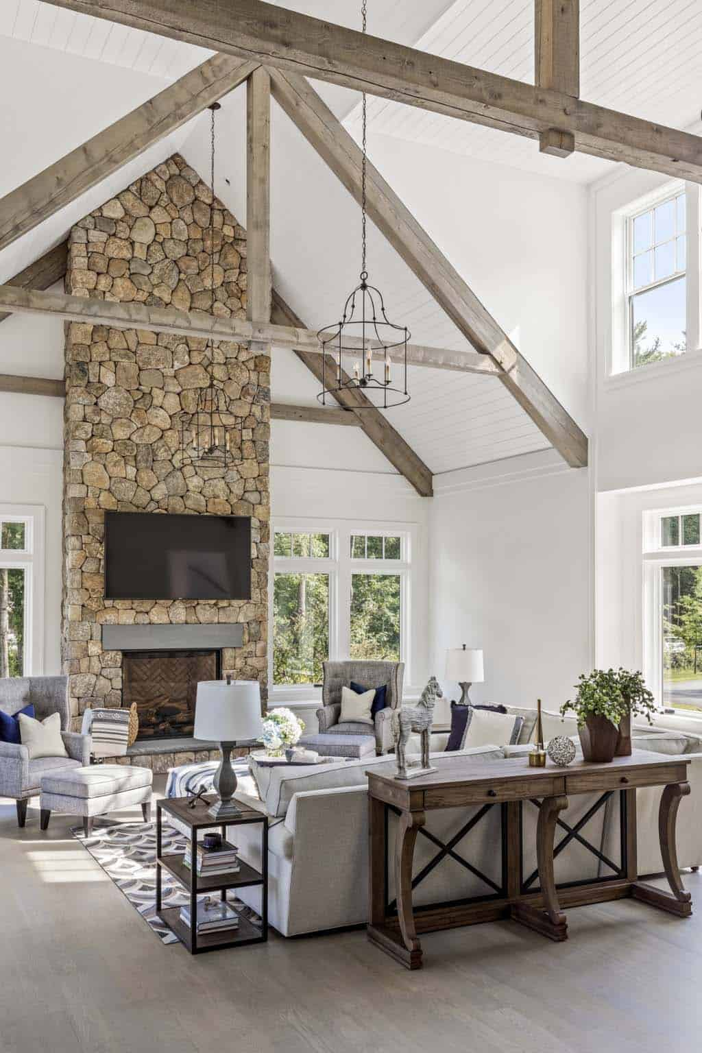 farmhouse-living-room-fireplace