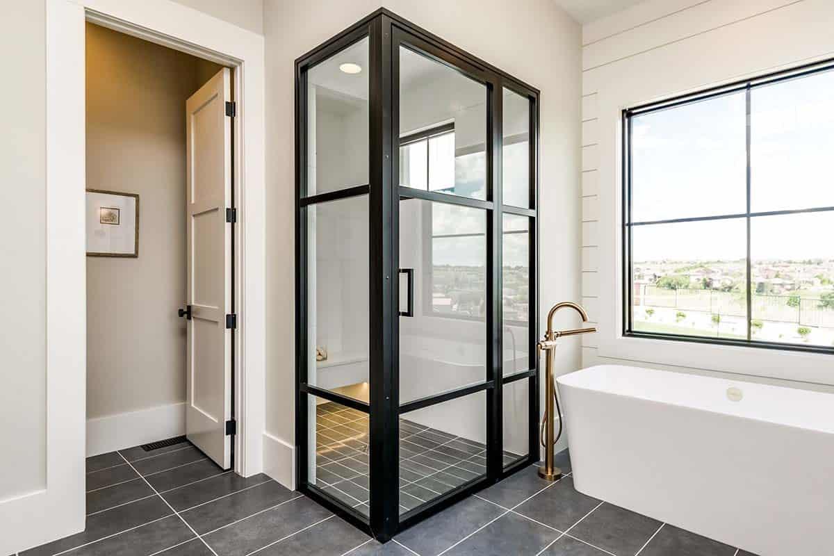 urban-farmhouse-bathroom-shower