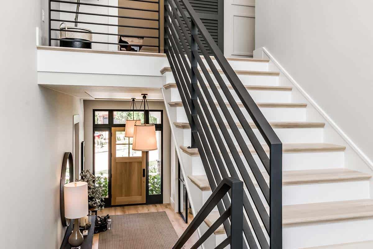 urban-farmhouse-staircase