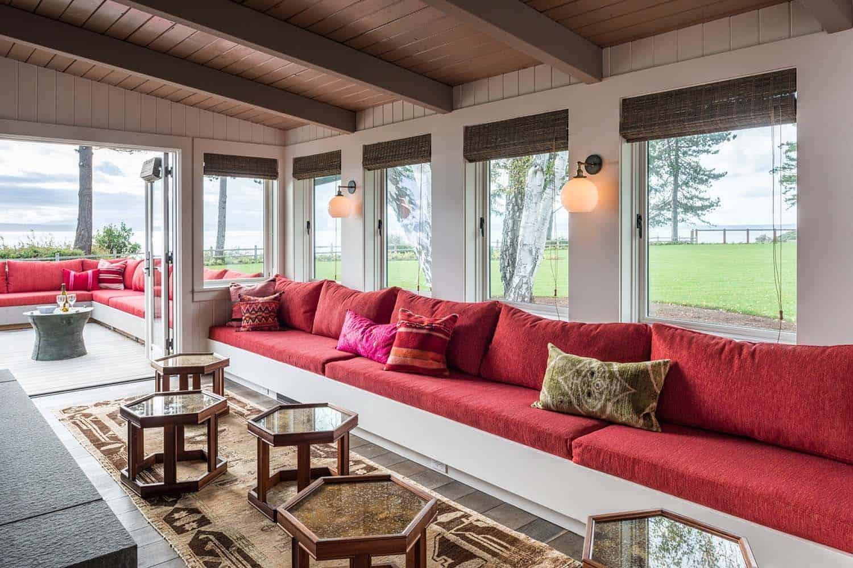 beach-cottage-sunroom