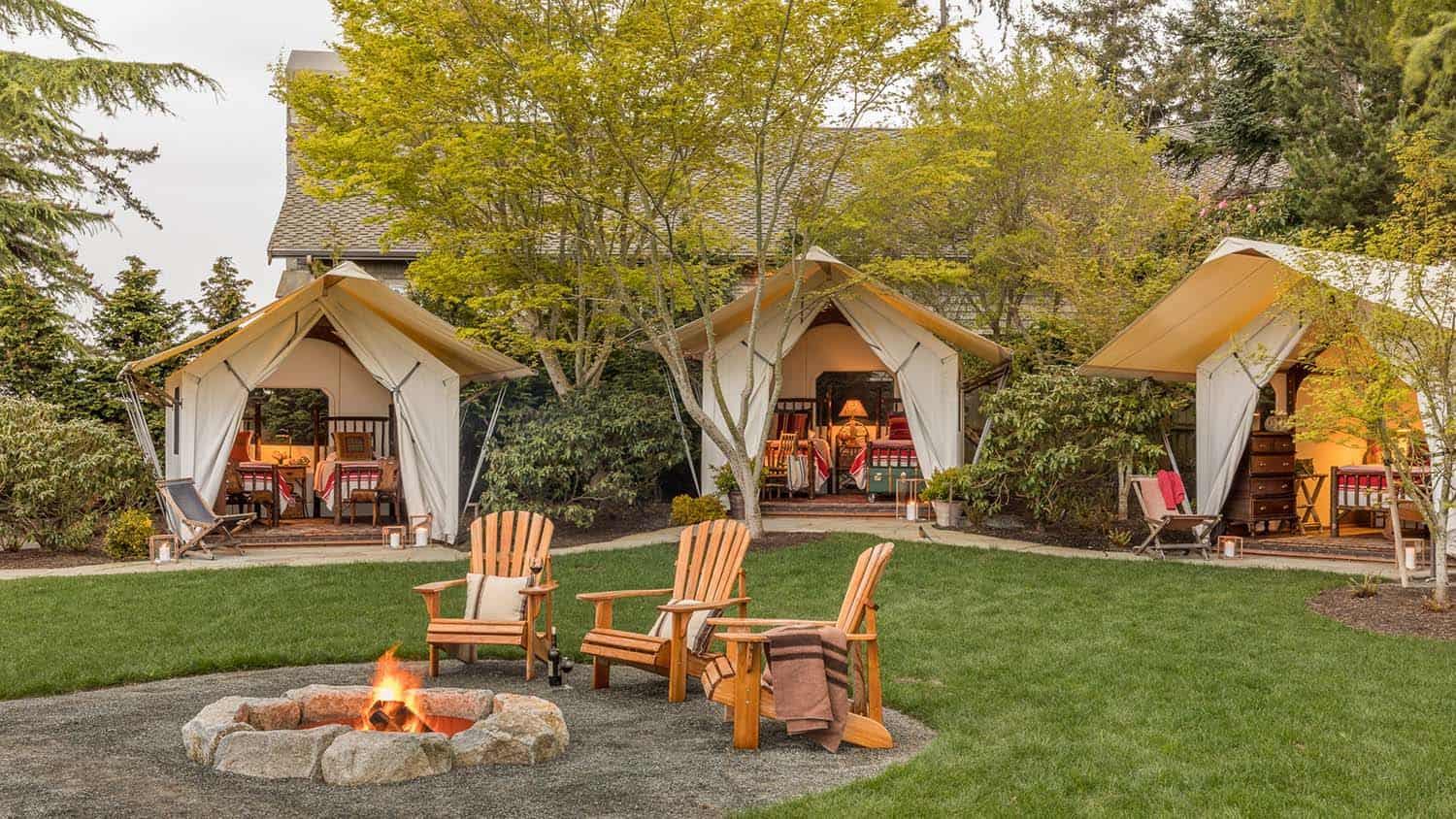 rustic-retreat-glamping-tent-fire-pit
