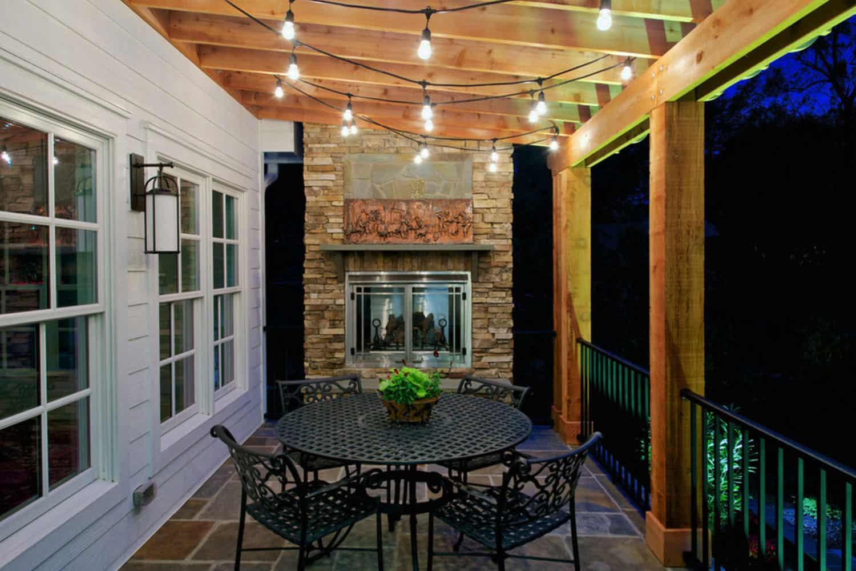 backyard-string-lights