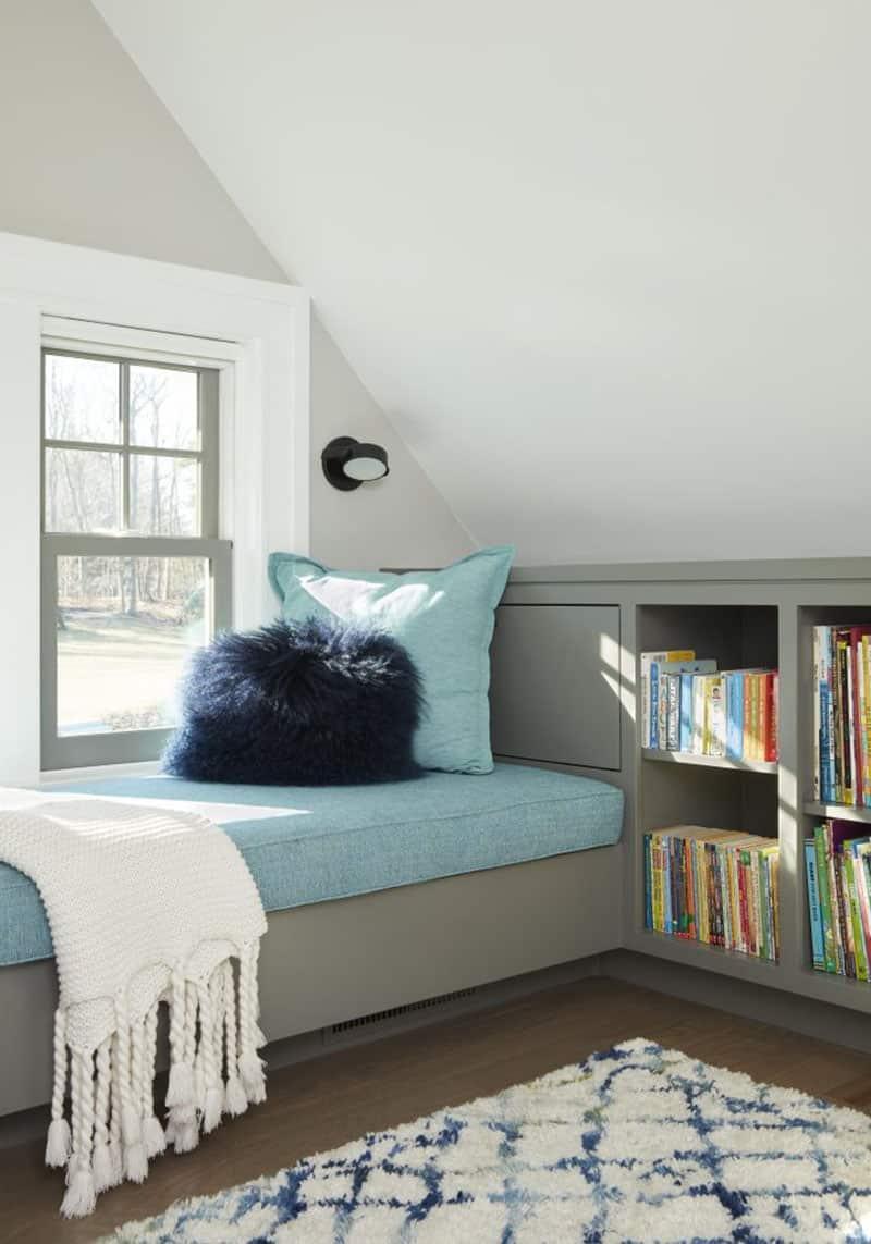 beach-style-window-seat
