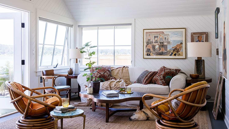 cabin-family-room