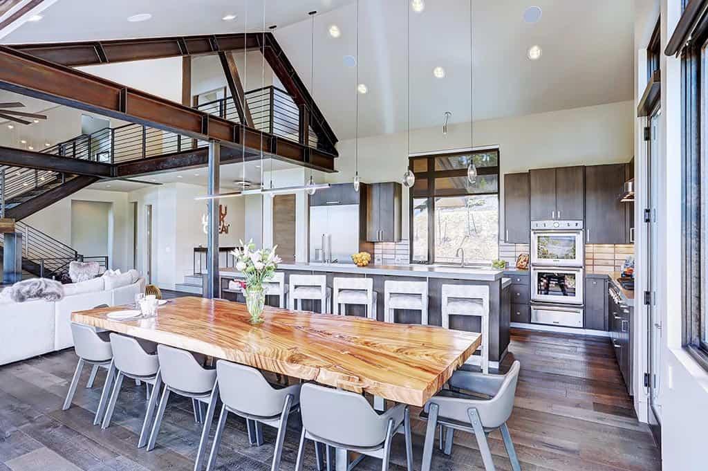 modern-mountain-kitchen-dining-room