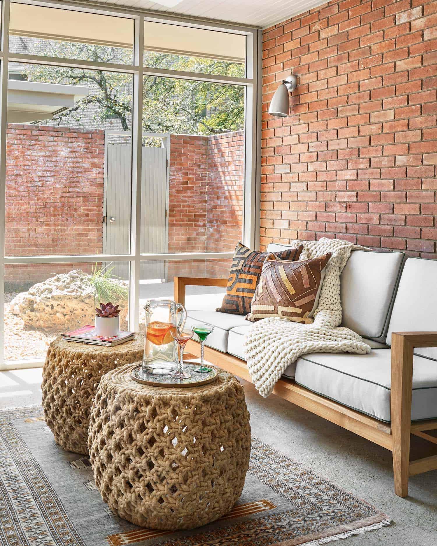mid-century-sunroom