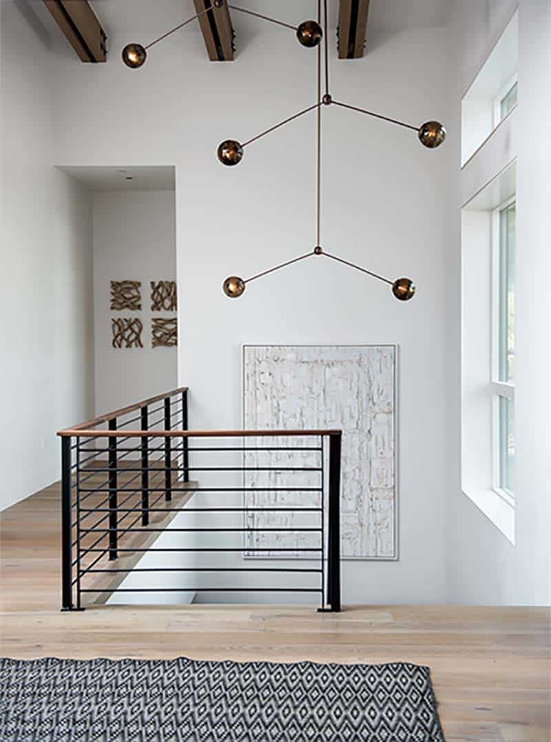 modern-alpine-home-entry
