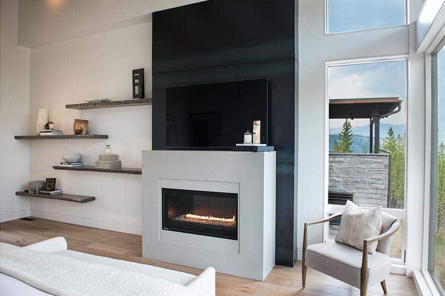 mountain-modern-bedroom-fireplace