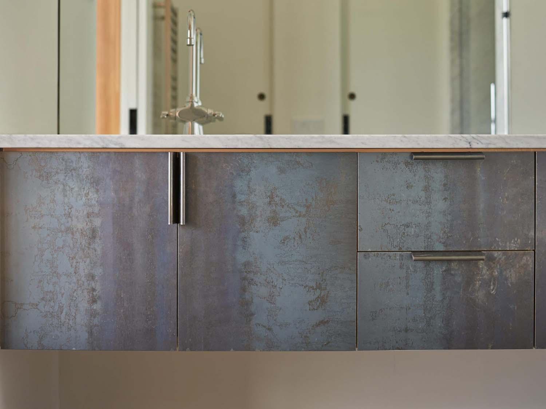 modern-cabinet-detail