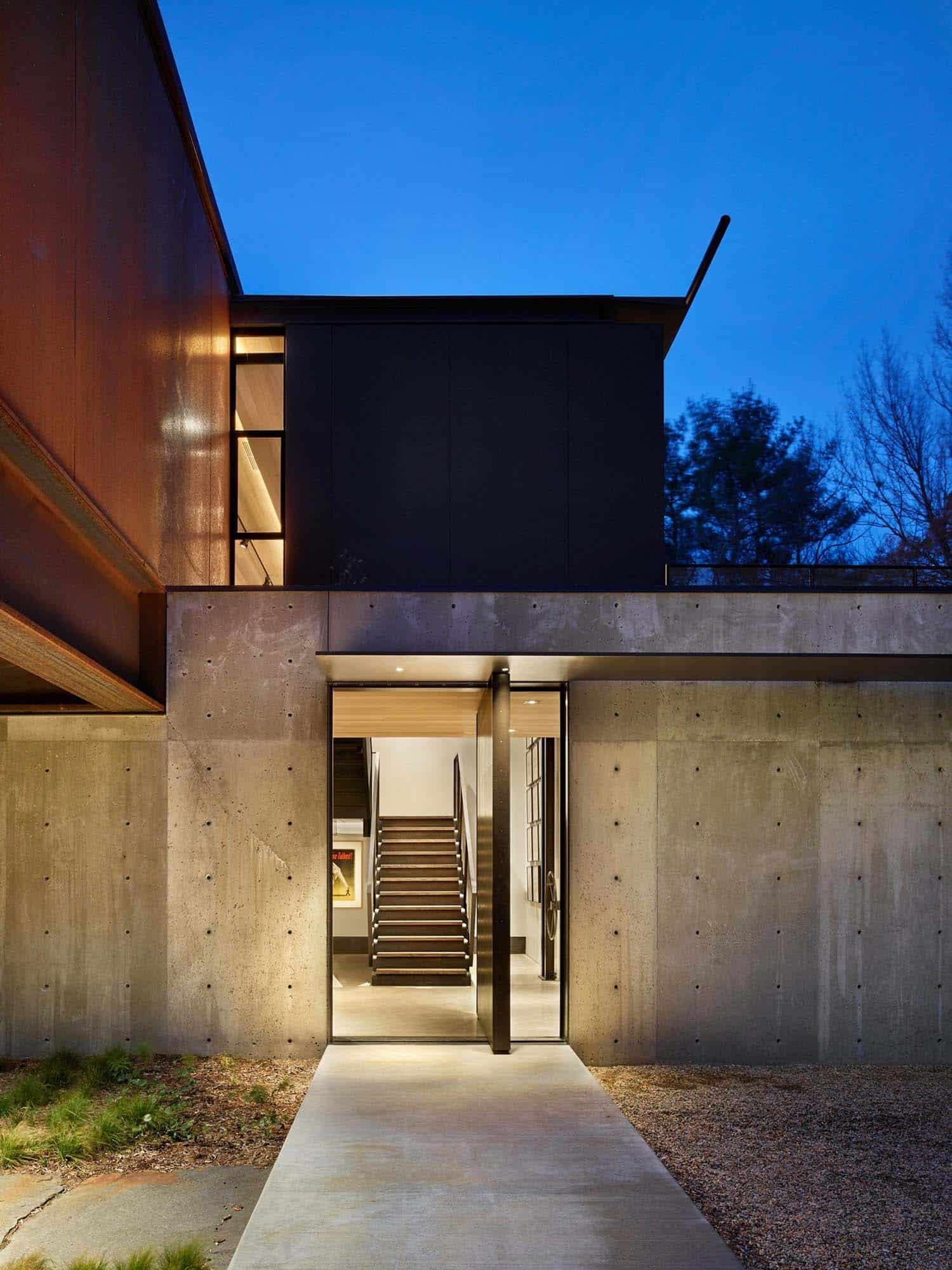 modern-countryside-retreat-entry