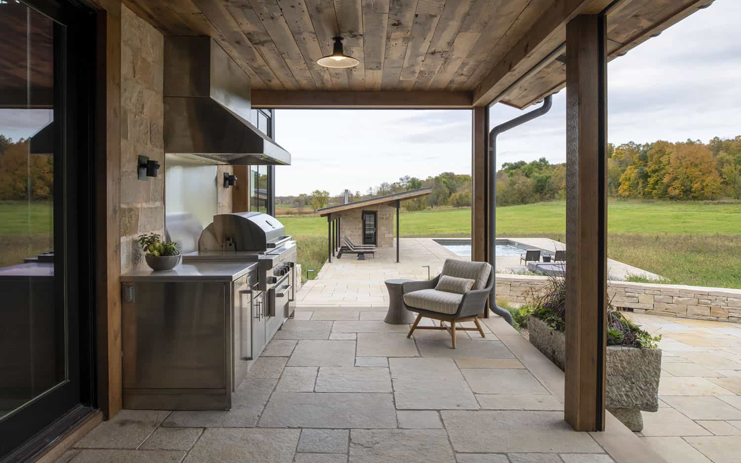 modern-rustic-covered-patio-kitchen