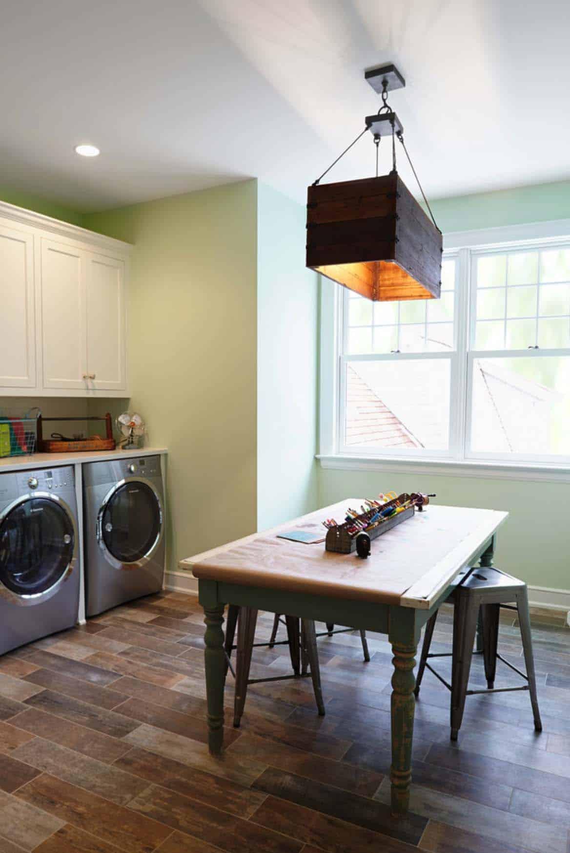 beach-style-laundry-room