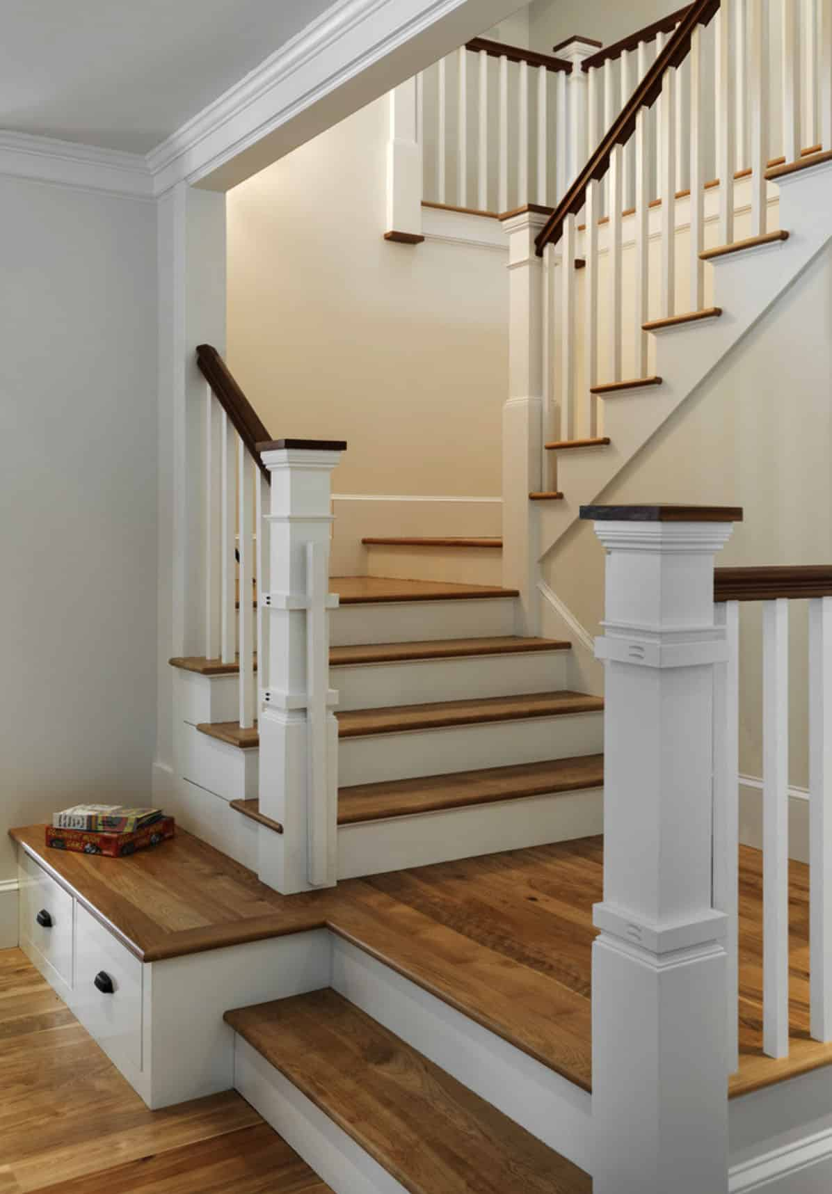 farmhouse-traditional-staircase