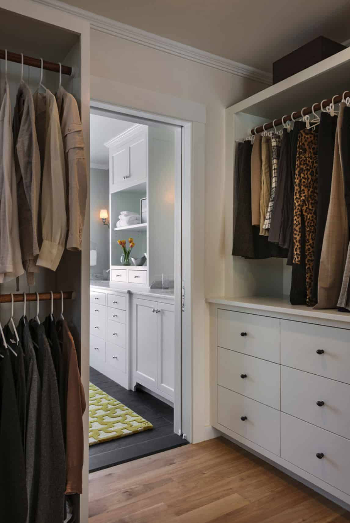 farmhouse-traditional-bedroom-closet