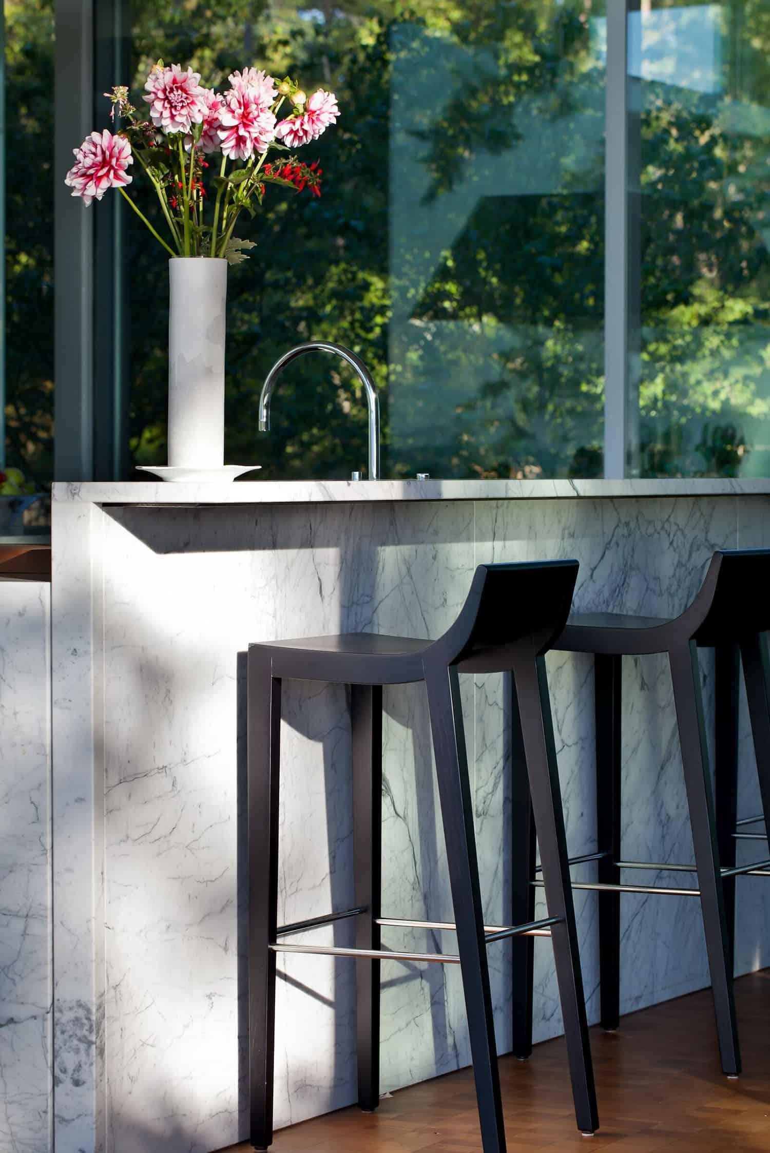 contemporary-outdoor-kitchen-bar