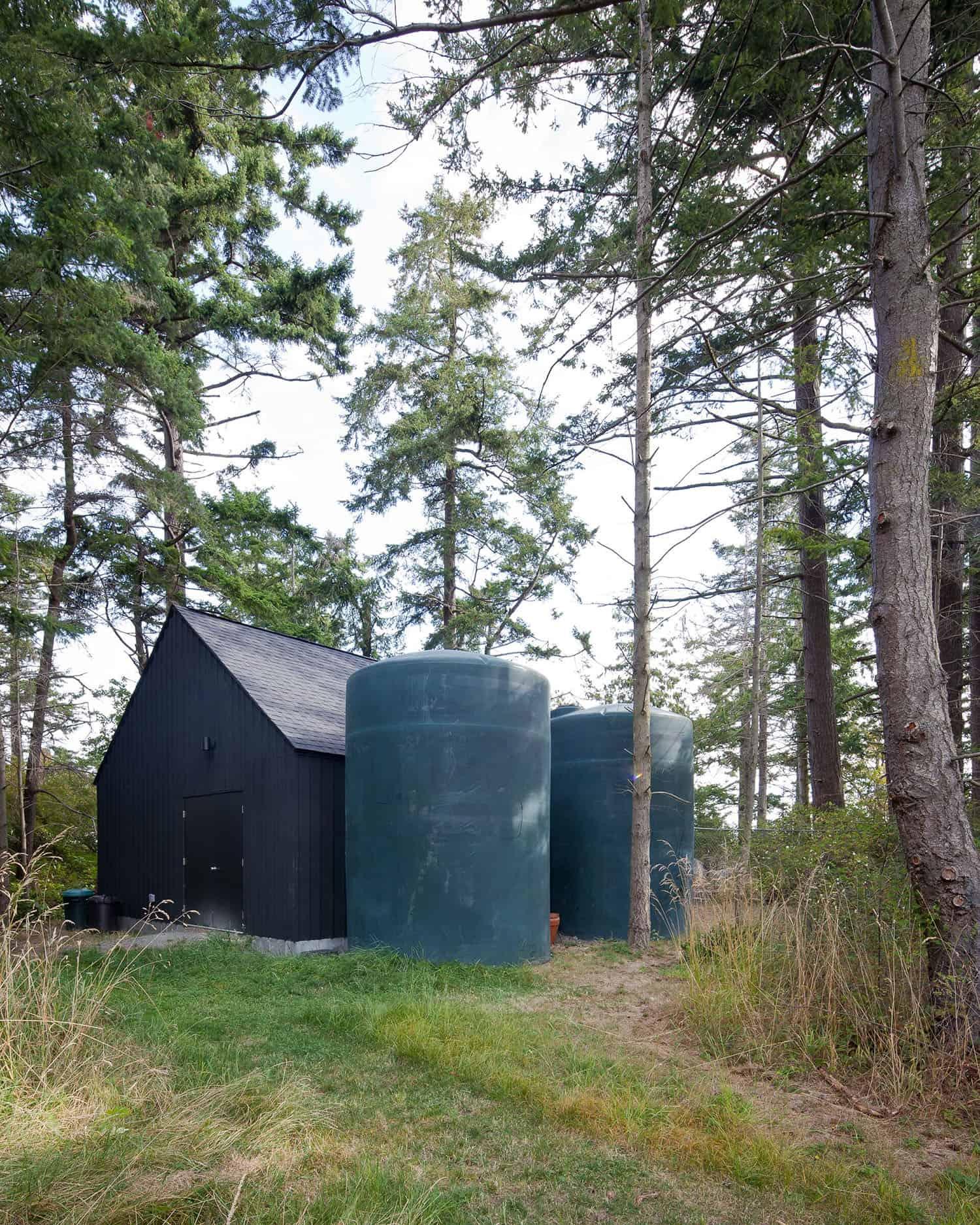 contemporary-storage-shed-exterior