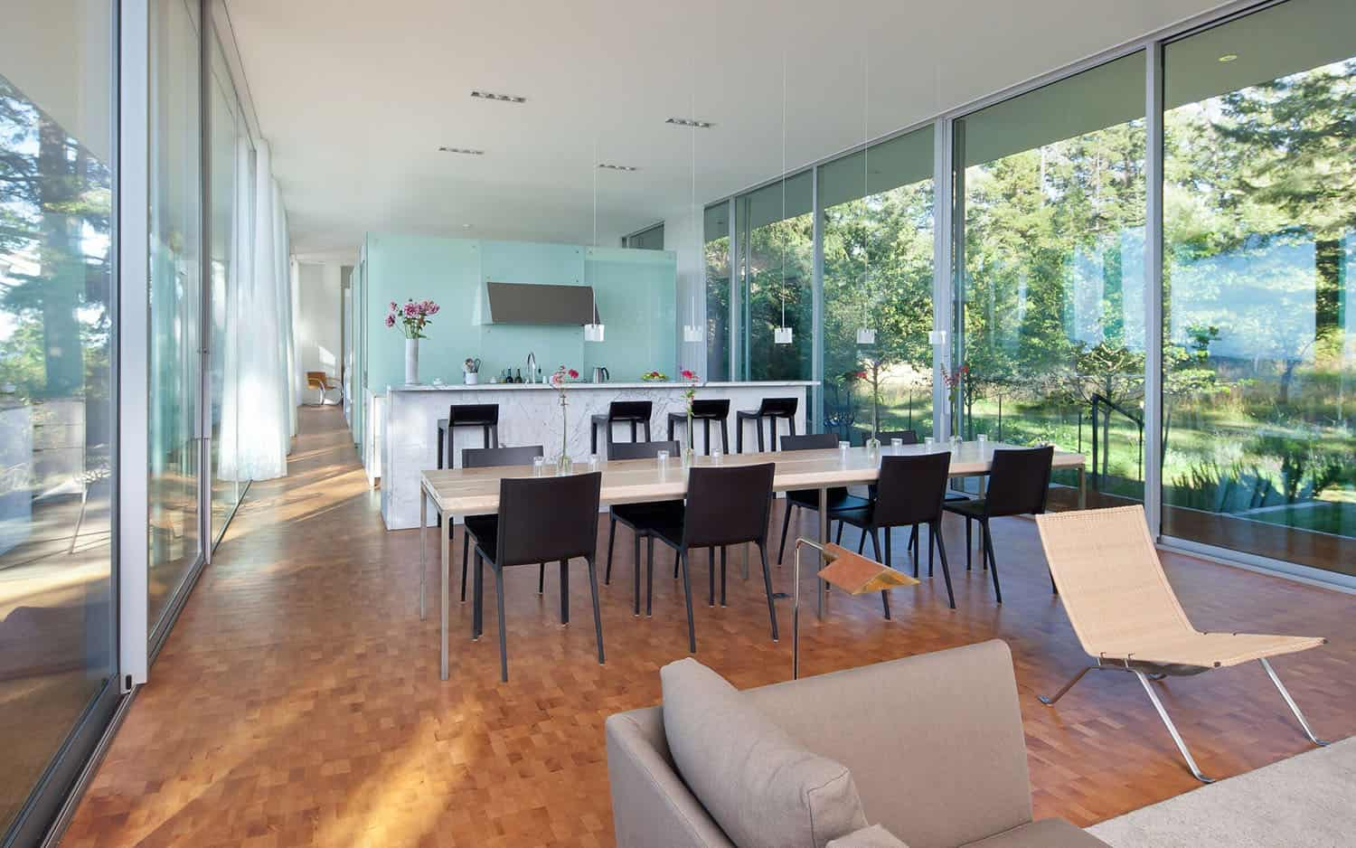 contemporary-dining-kitchen