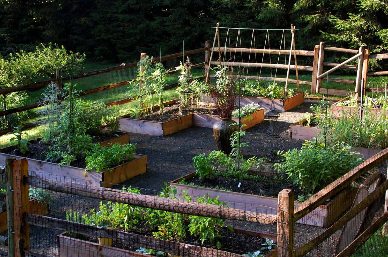 20+ Creative and Inspiring Raised Bed Vegetable Garden Ideas