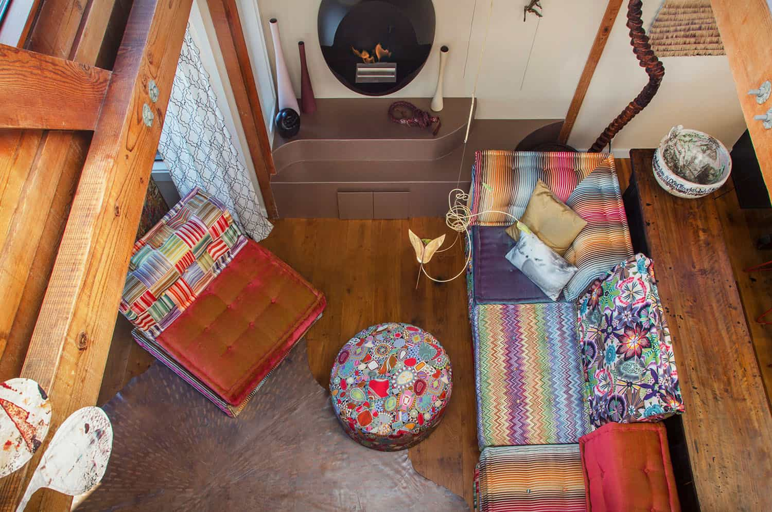 houseboat-eclectic-living-room