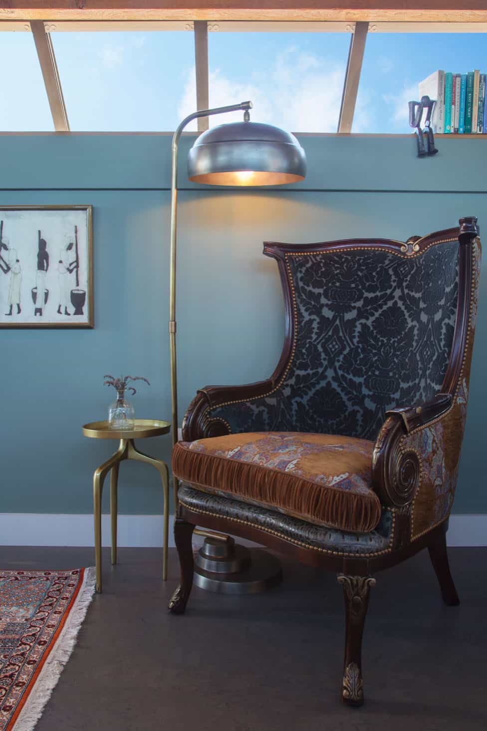 eclectic-chair-vignette