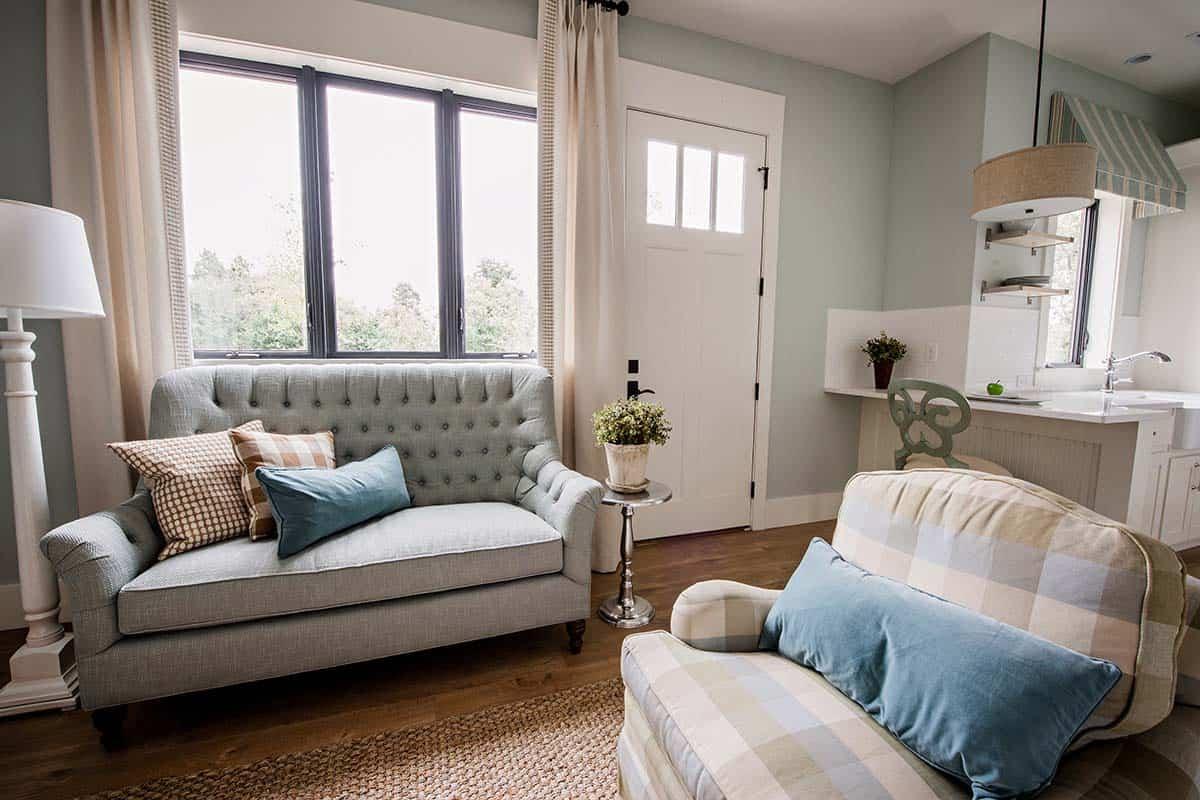 guest-cottage-living-room