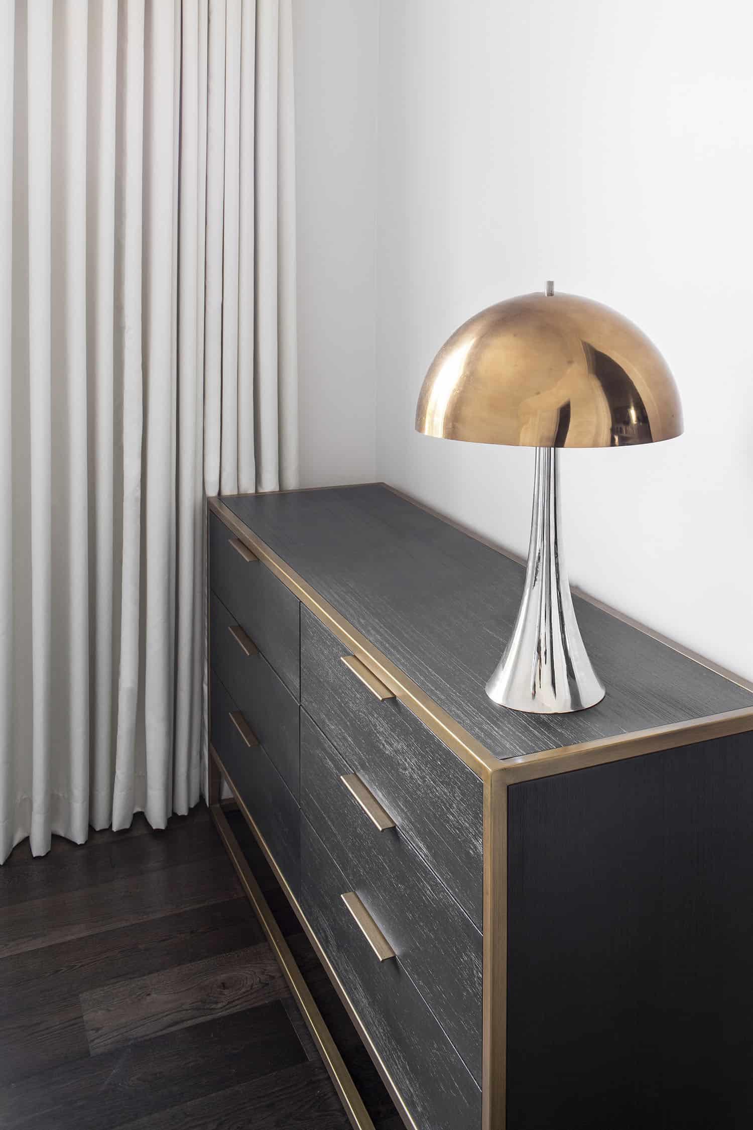 transitional-elegance-guest-room