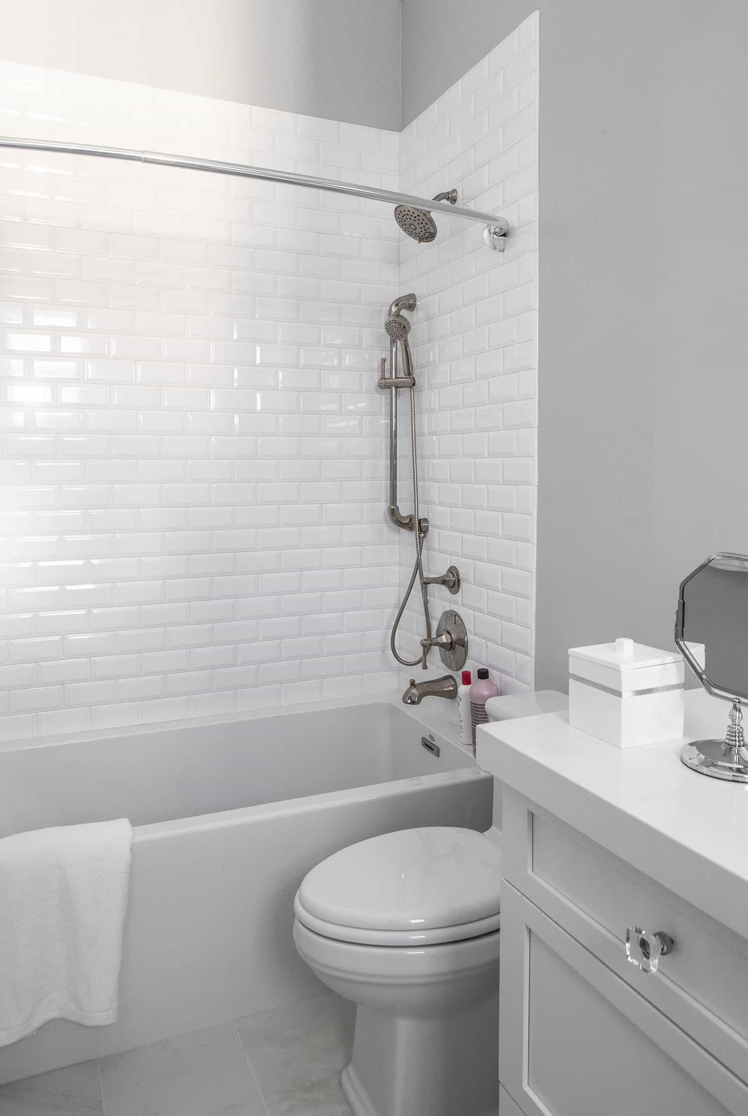 transitional-girls-bathroom