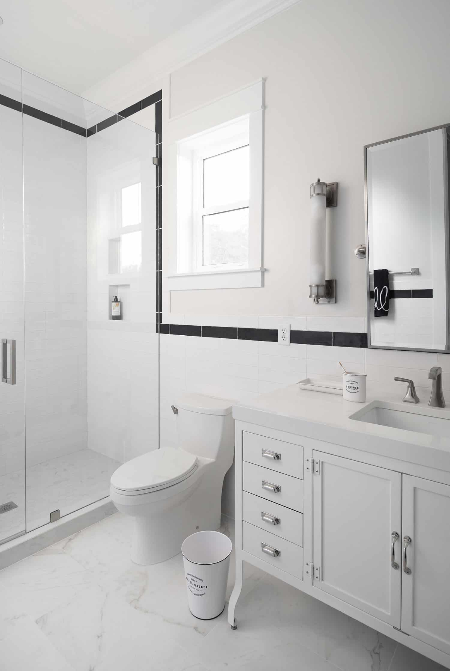 traditional-boys-bathroom