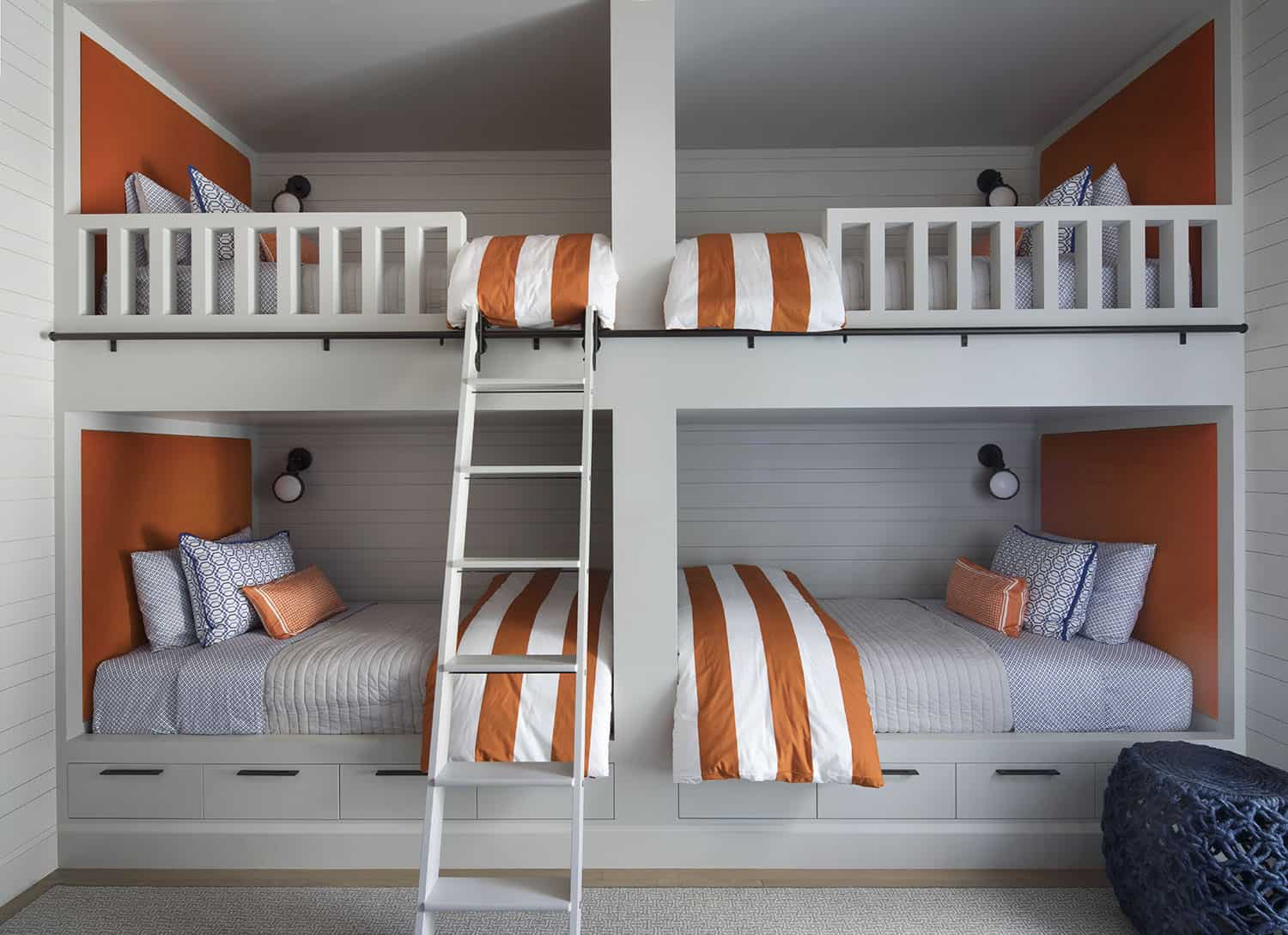 transitional-style-bunk-bedroom