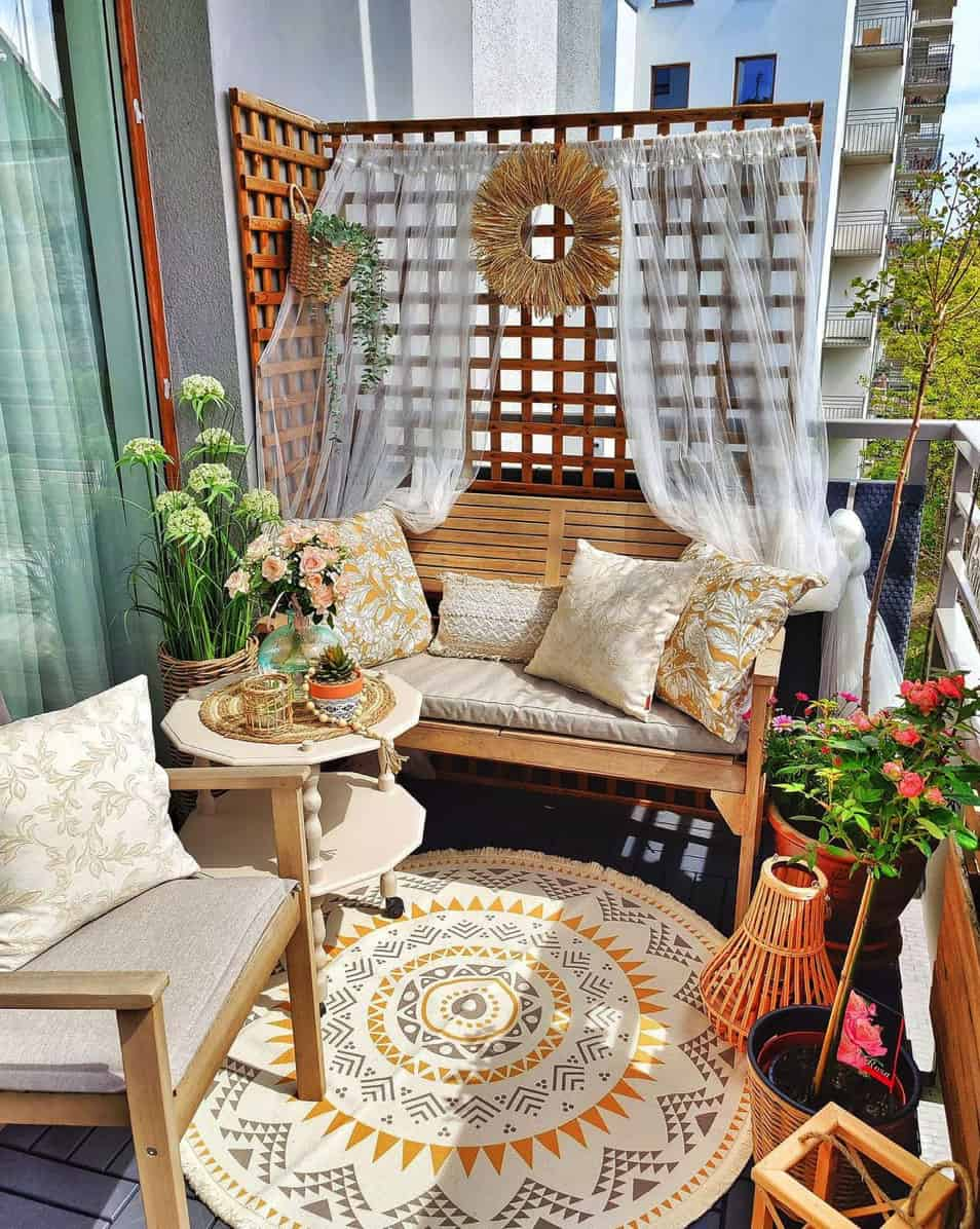 apartment-balcony-idea-with-chairs-plants