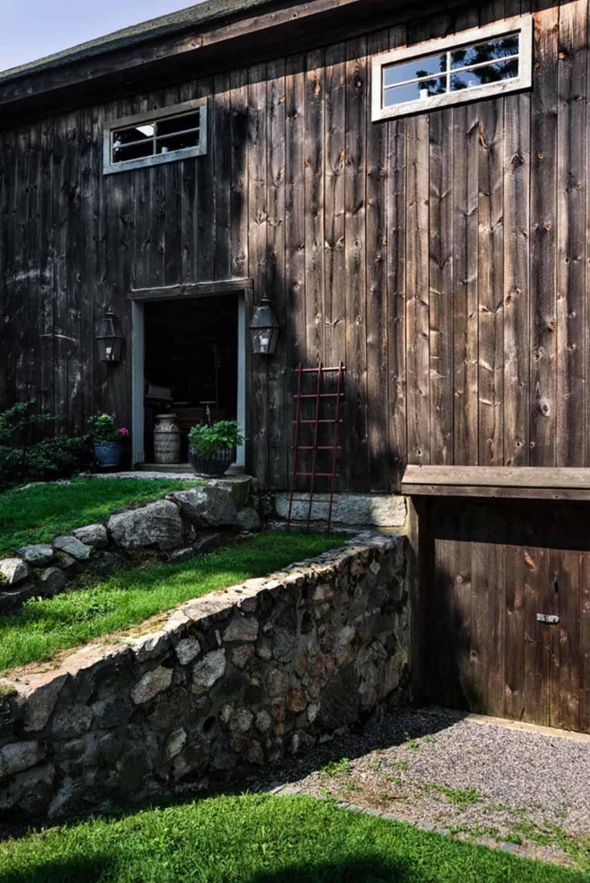 barn-restoration-farmhouse-exterior