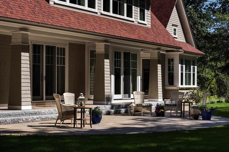 new-england-hideaway-beach-style-house-patio