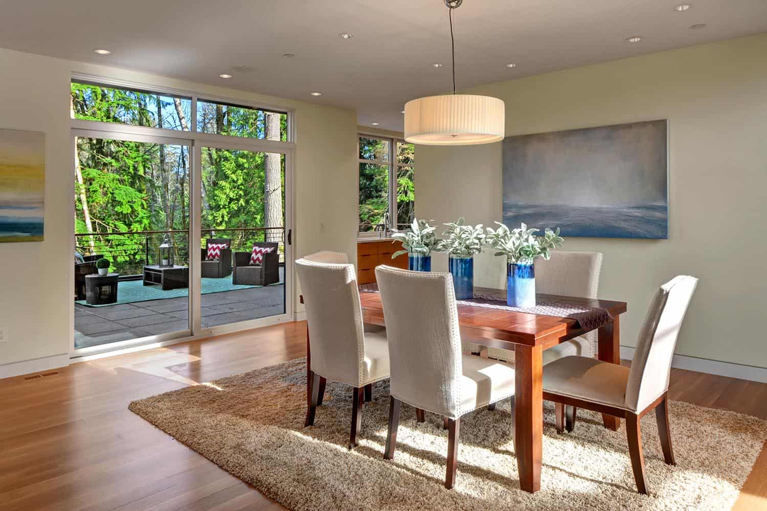 contemporary-pavilion-house-dining-room