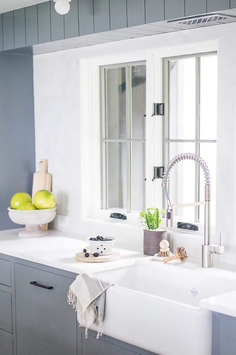 farmhouse-kitchen-sink